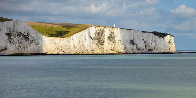 White_Cliffs_of_Dover.jpg